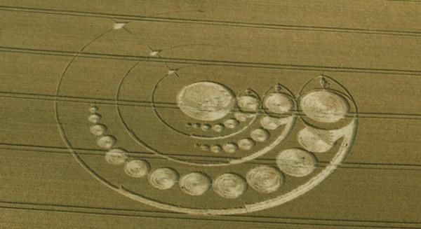 Avebury_Stone_Circle_Wiltshire_01_08_2012